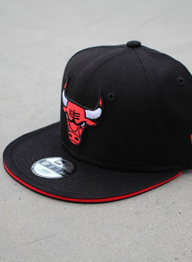 9fifty bulls Black/Red Stripe Youth