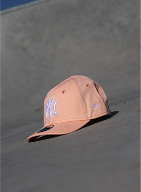 9forty NY Yankees Peach/White Infant