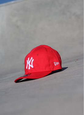 9forty NY Yankees Red/White Infant