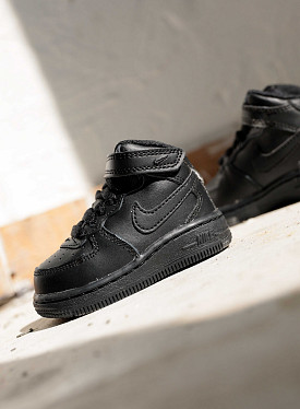 Air force 1 mid black TS