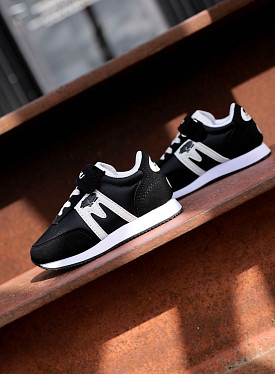 Albatross 82 black/white ts