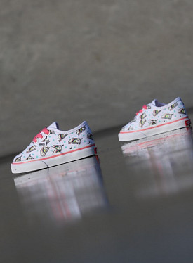 Authentic Unicorn White/Pink TS