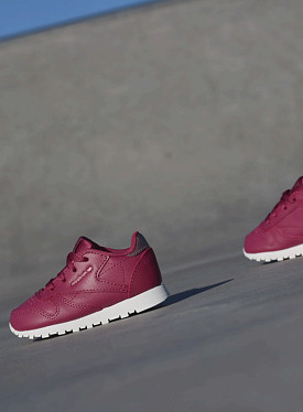 Classic leather berry ts