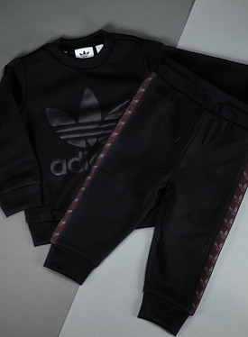 Debossed crew set black TS