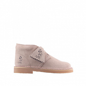 Desert boot sand mickey-mouse