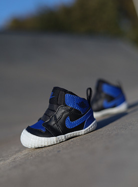 Jordan 1  black/blue Baby Crib