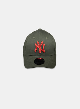 New York Yankees Essential 9Forty Khaki Olive Red Child