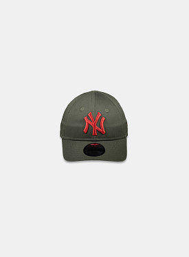 New York Yankees Essential 9Forty Khaki Olive Red Infant