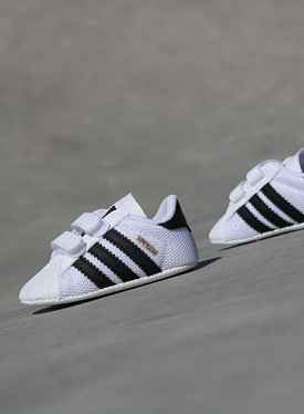 Superstar White/Black Crib