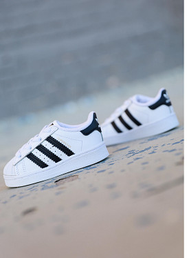 Superstar White/Black TS