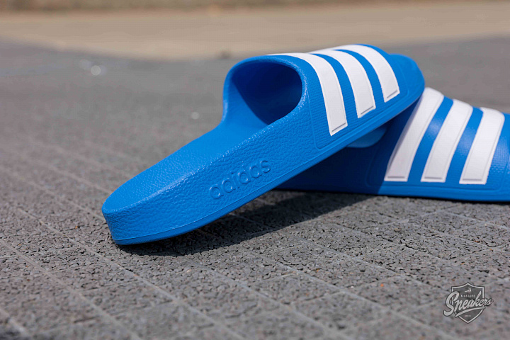 Adilette aqua blue white gs (2)