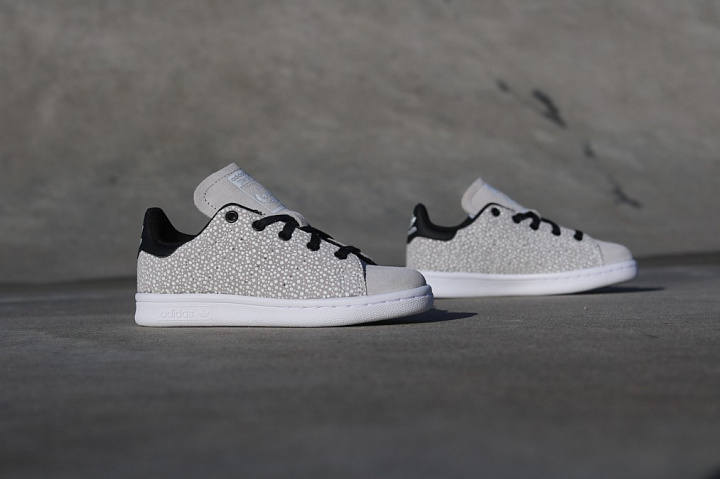 Stan smith Glow/Speckle Grey PS (4)
