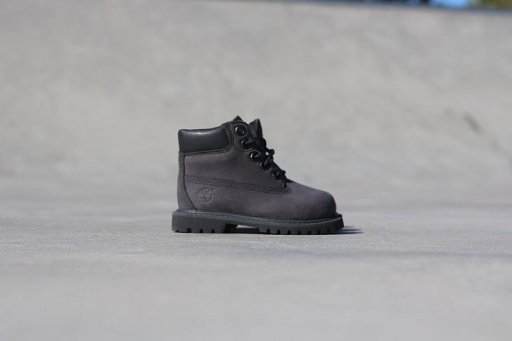 Premium boot forged iron/Grey TS (1)