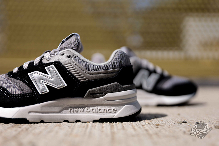 997 Black/Grey/White PS (2)