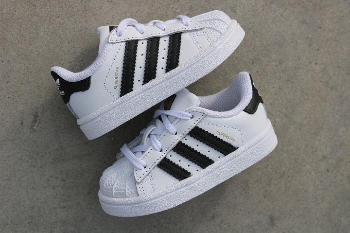 Superstar O.G White/Black TS (2)