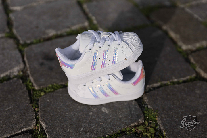 Superstar Iridescent Cloud White TD (2)