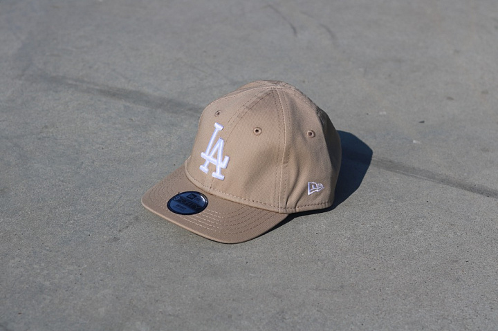 9forty LA Dodgers Sand/White Infant (2)
