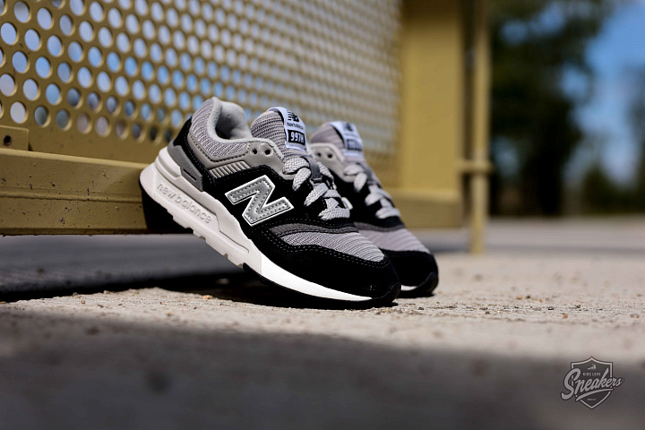997 Black/Grey/White PS (3)
