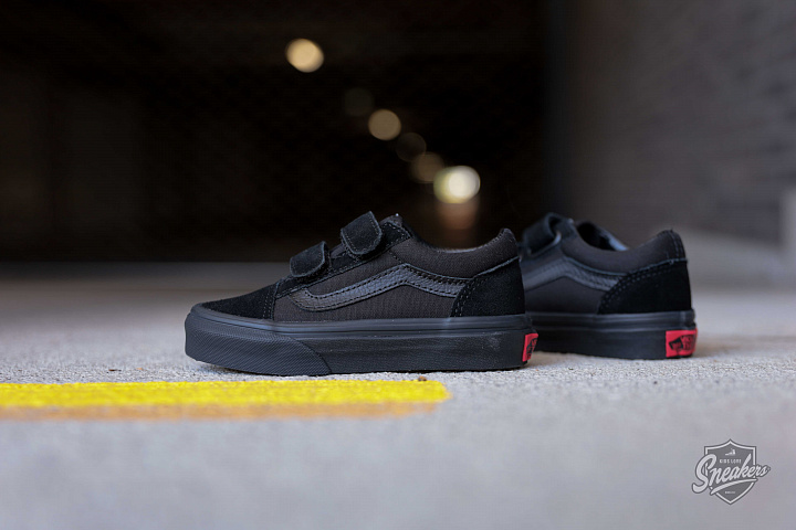 Old skool Black/Black Velcro PS (2)