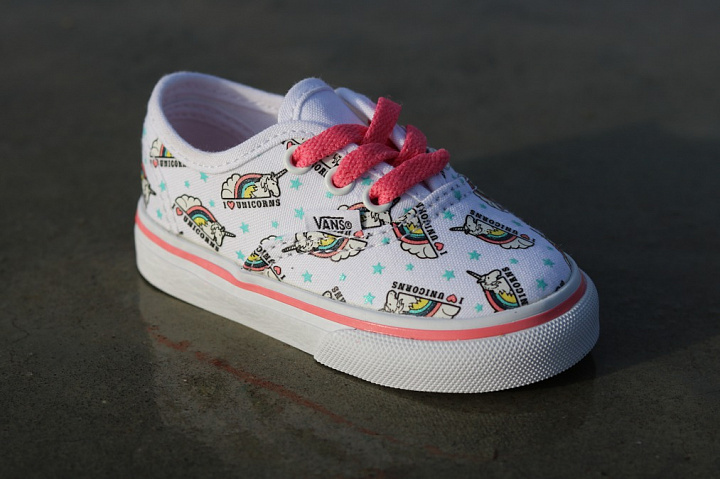 Authentic Unicorn White/Pink TS  (6)