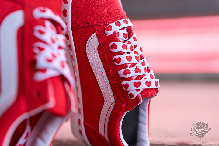 Old Skool Hearts Red True White PS (1)