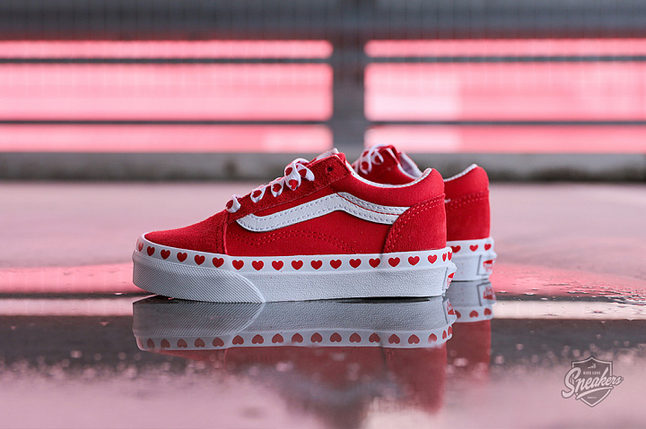 Old Skool Hearts Red True White PS (0)