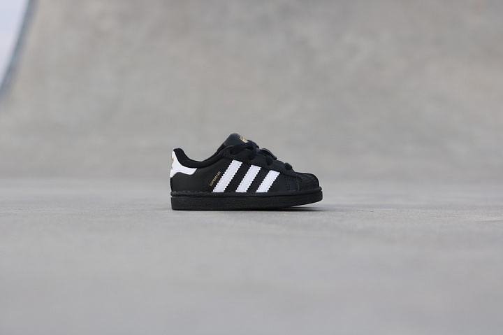 Superstar Black/White TS (1)