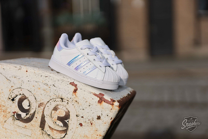 Superstar Iridescent Cloud White TD (0)
