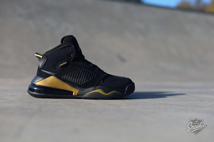 Jordan Mars 270 Black/gold GS (7)