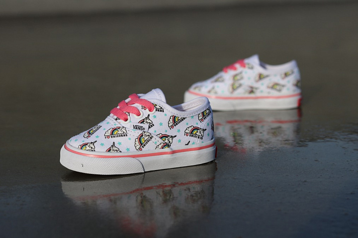 Authentic Unicorn White/Pink TS  (4)