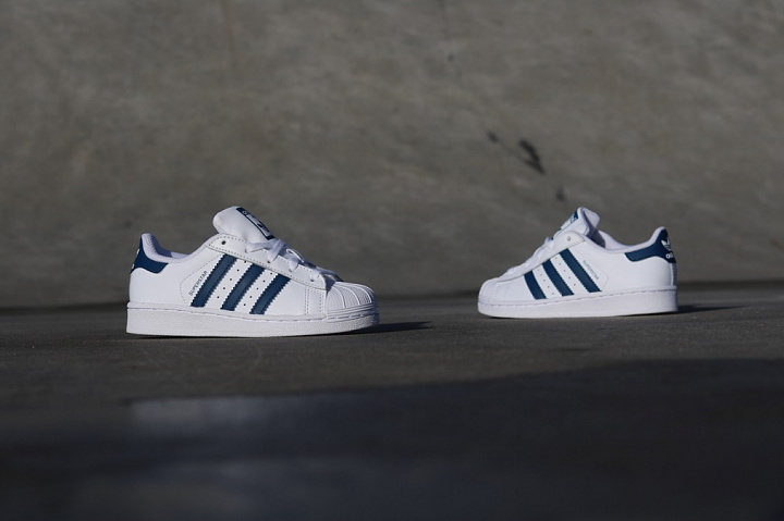 Superstar White/Navy PS (1)