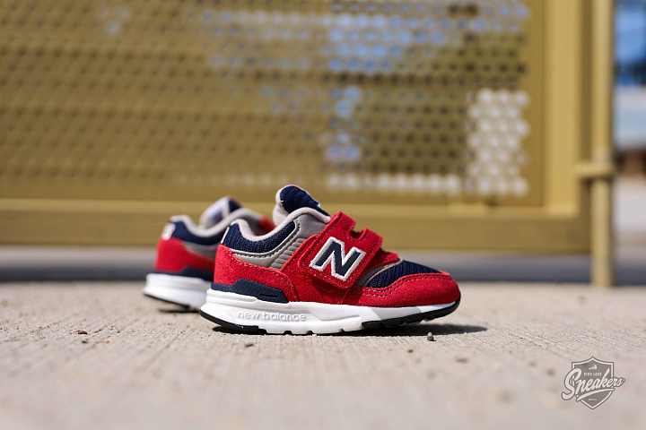 997 Red/navy TS (1)