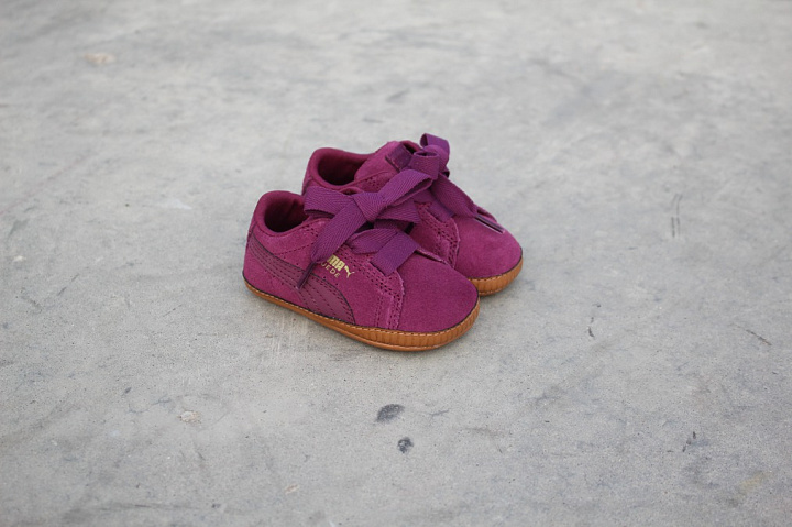 Suede heart crib dark purple (1)