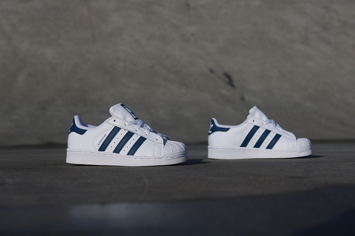 Superstar White/Navy PS (4)