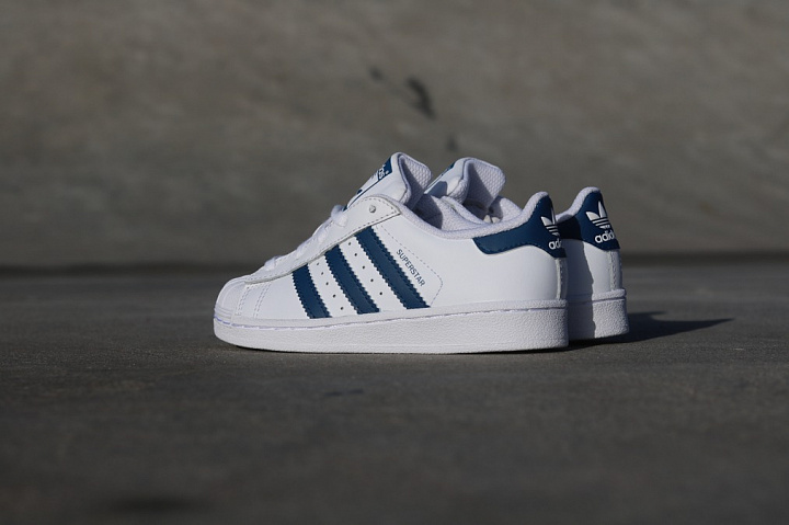 Superstar White/Navy PS (5)