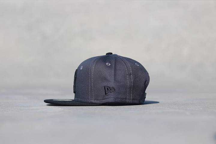 9fifty NY Yankees Grey/Black Youth (1)