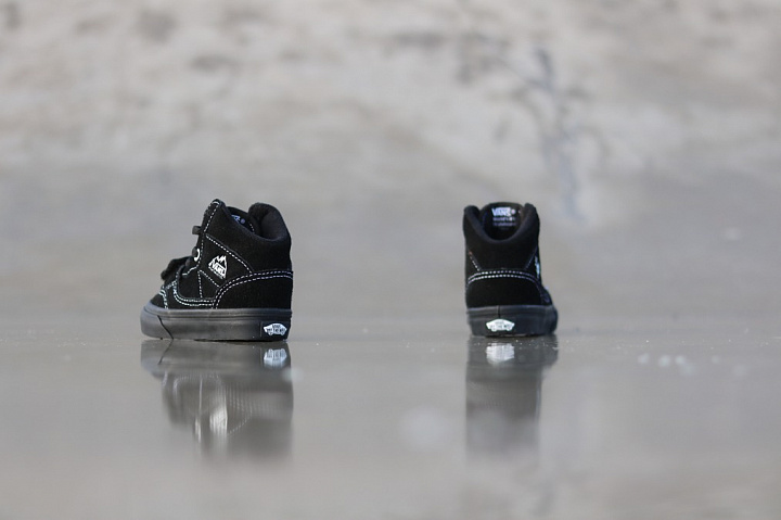 Mountain edition suede blac (4)