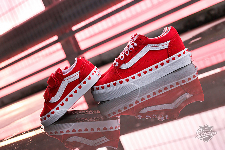 Old Skool Hearts Red True White PS (3)