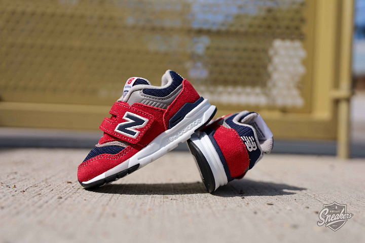 997 Red/navy TS (2)