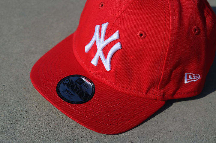 9forty NY Yankees Red/White Infant (2)