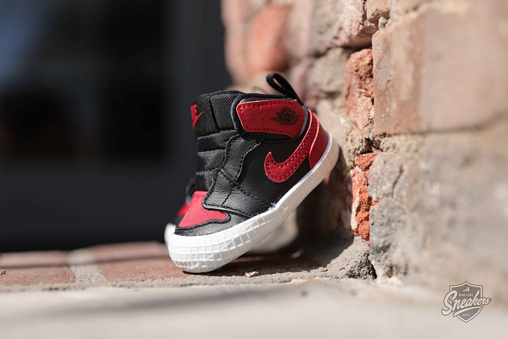Jordan 1 Black/Red Crib (0)