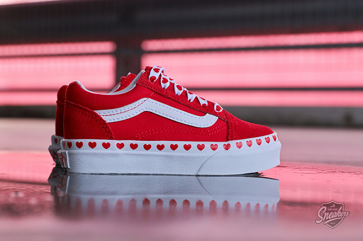 Old Skool Hearts Red True White PS (2)