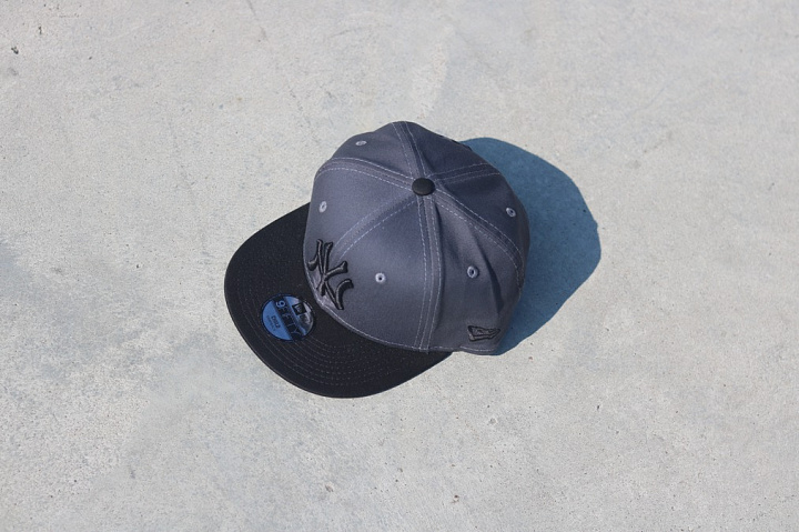 9fifty NY Yankees Grey/Black Youth (2)