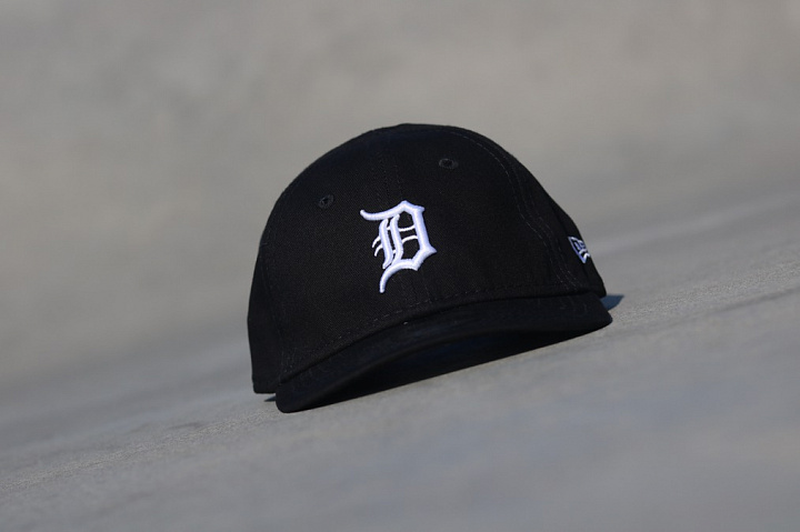9forty Detroit Tigers Black/White Infant (3)