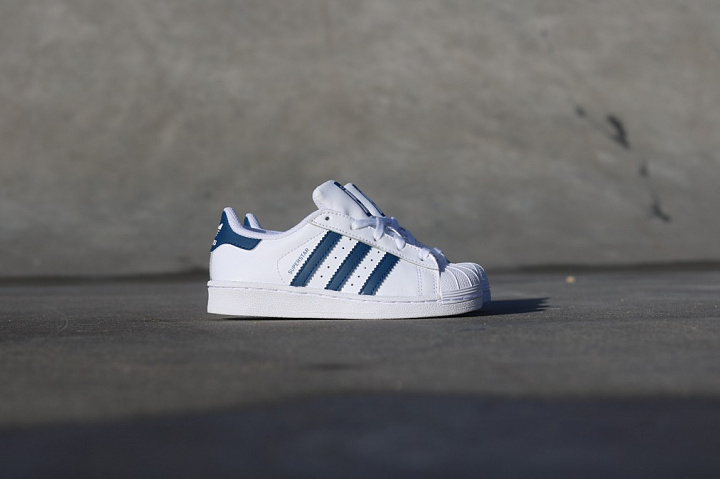 Superstar White/Navy PS (3)
