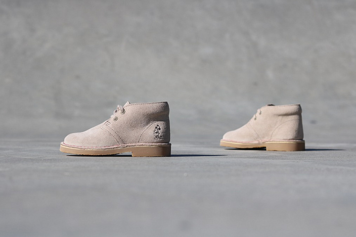 Desert boot sand mickey-mouse (1)