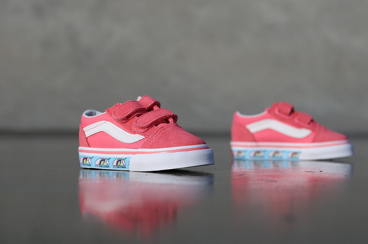Old skool Unicorn/Pink TS (7)
