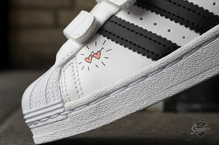 Superstar V Graphic Cloud White Core Black PS (2)