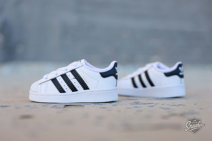 Superstar White/Black TS (1)