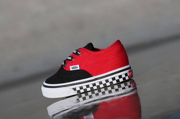 Authentic Black/Red/Logo TS (3)